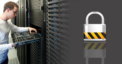 Bild im Rechenzentrum von goneo bei Arbeiten an einem Managed Server